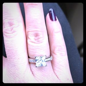 Jewelry - 💎💎💎💎💎Beautiful Princess cut ring💎💎💎💎💎